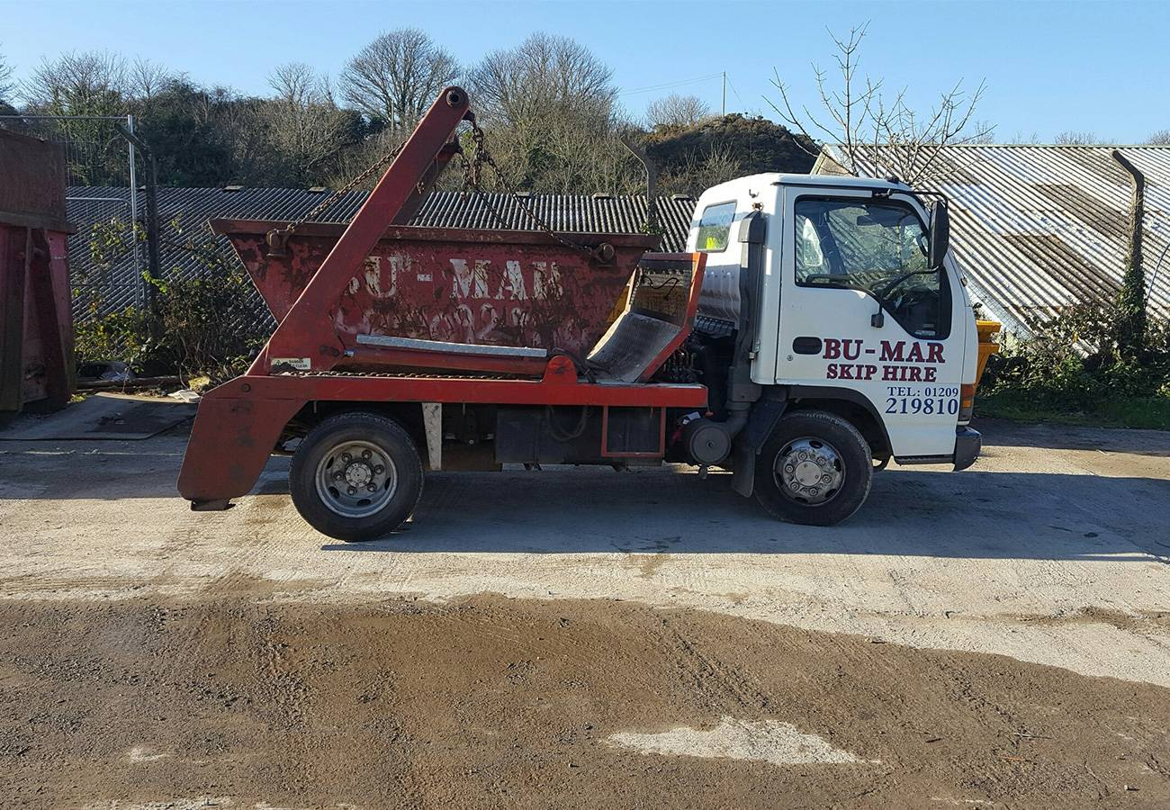 bu-mark skip hire lorry